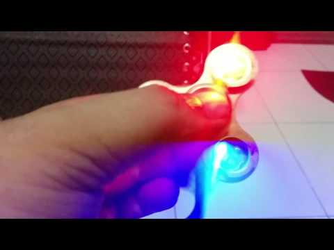 Ecubee EDC LED Fidget Spinner testing out of the box