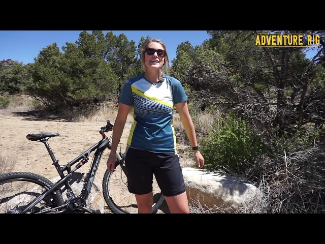 Видео Шорты женские Pearl iZUMi Canyon фиолетово-оранжевые