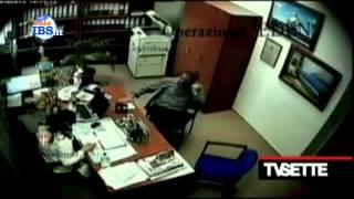 preview picture of video '2014-04-13 Inchiesta TvSette - Immaginate di avere un impresa a Castelvetrano'