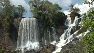 preview picture of video 'Terres en Roues Libres en Guinée Conakry!'