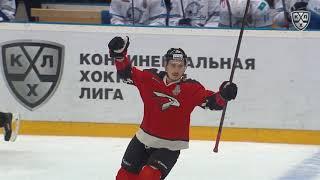 Чудинов забивает Карлссону от синей линии. От своей синей линии.