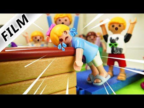 Playmobil Film Deutsch HANNAH KNALLT GEGEN SPRUNGKASTEN IN SPORT! ALLES WEGEN PHILIPP? Familie Vogel