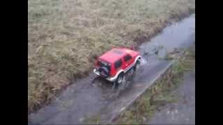 preview picture of video 'Tamiya CC-01 Mitsubishi Pajero Watering'
