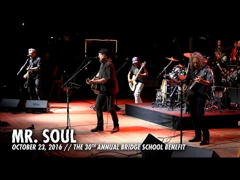 Metallica: Mr. Soul (Bridge School Benefit, Mountain View, CA - October 23, 2016)