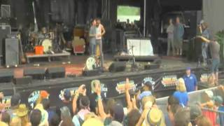 "The Avett Brothers ""Down In The Valley To Pray,"" Live - Mountain Jam 2011"