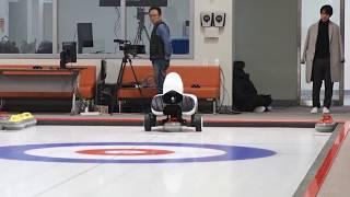 Робот-керлингист Curly задал жару спортсменам-олимпийцам