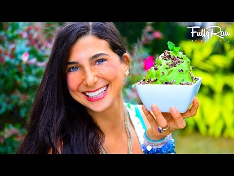 Video FullyRaw Chocolate Chip Mint Ice Cream!