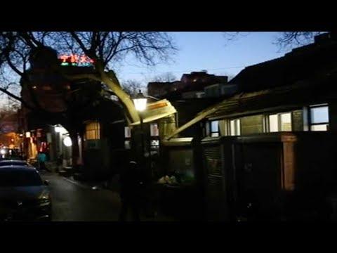 Hutong bar-goers: A hidden but happy crowd