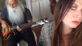 "Madrugada's ""Majesty"" cover by Judith Owen and Leland Sklar"