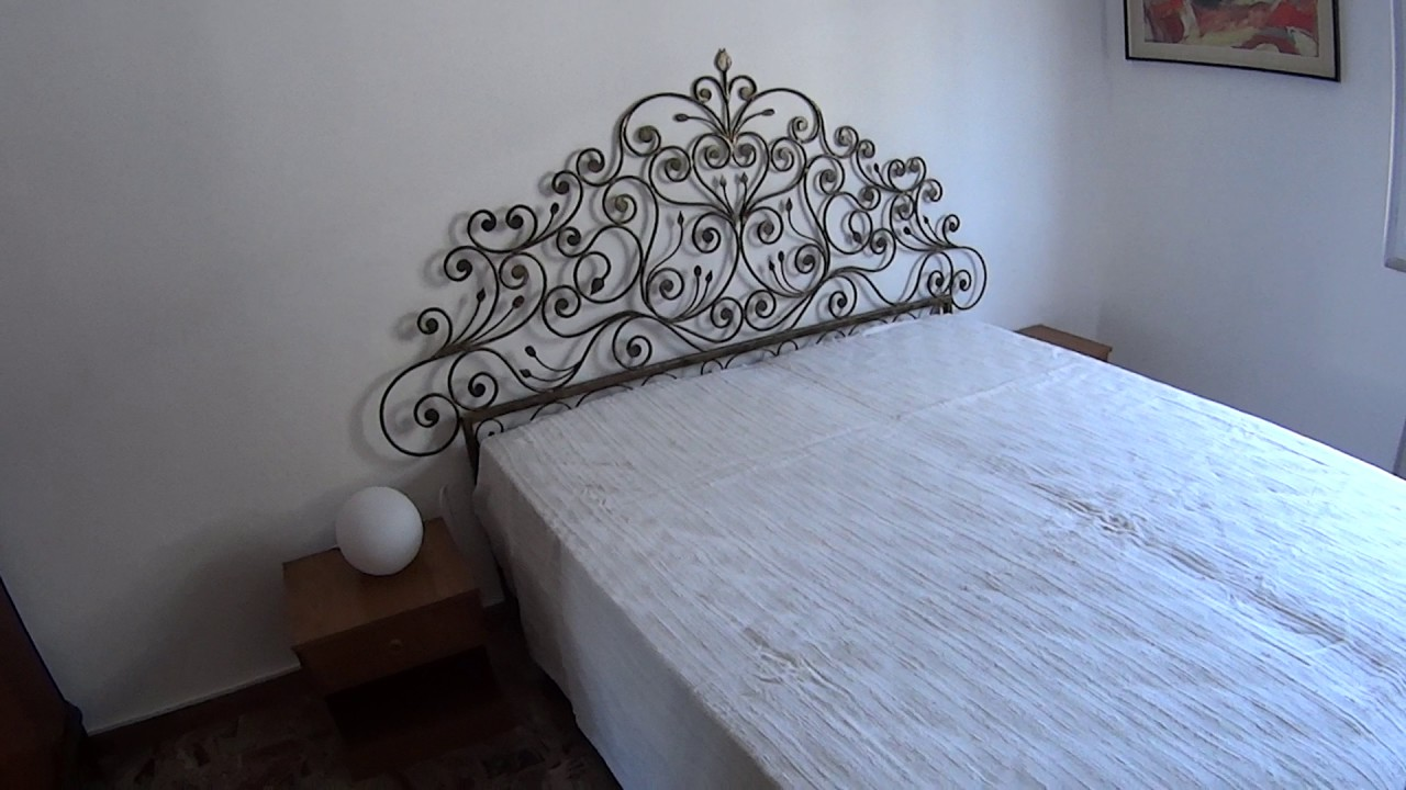 Rooms to rent in 3-bedroom apartment with terrace in Bovisasca