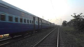 preview picture of video 'WAP-4 KUMBHA EXPRESS RUNNING FAST TO MAKE UP THE LOST TIME'