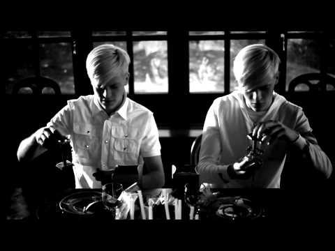 , title : 'NEGRAMARO - Voglio molto di più (video ufficiale)'