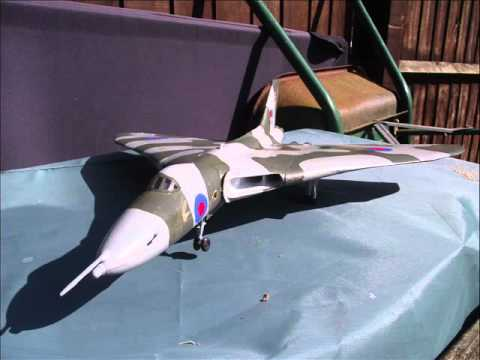 Airfix - Avro Vulcan XH558 - Display Flight Model