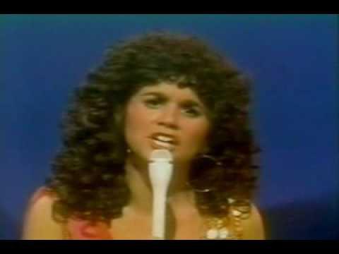 Linda Ronstadt & Cher - Drift Away & Rip it Up