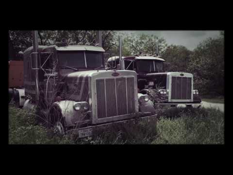 Walk around Peterbilt graveyard
