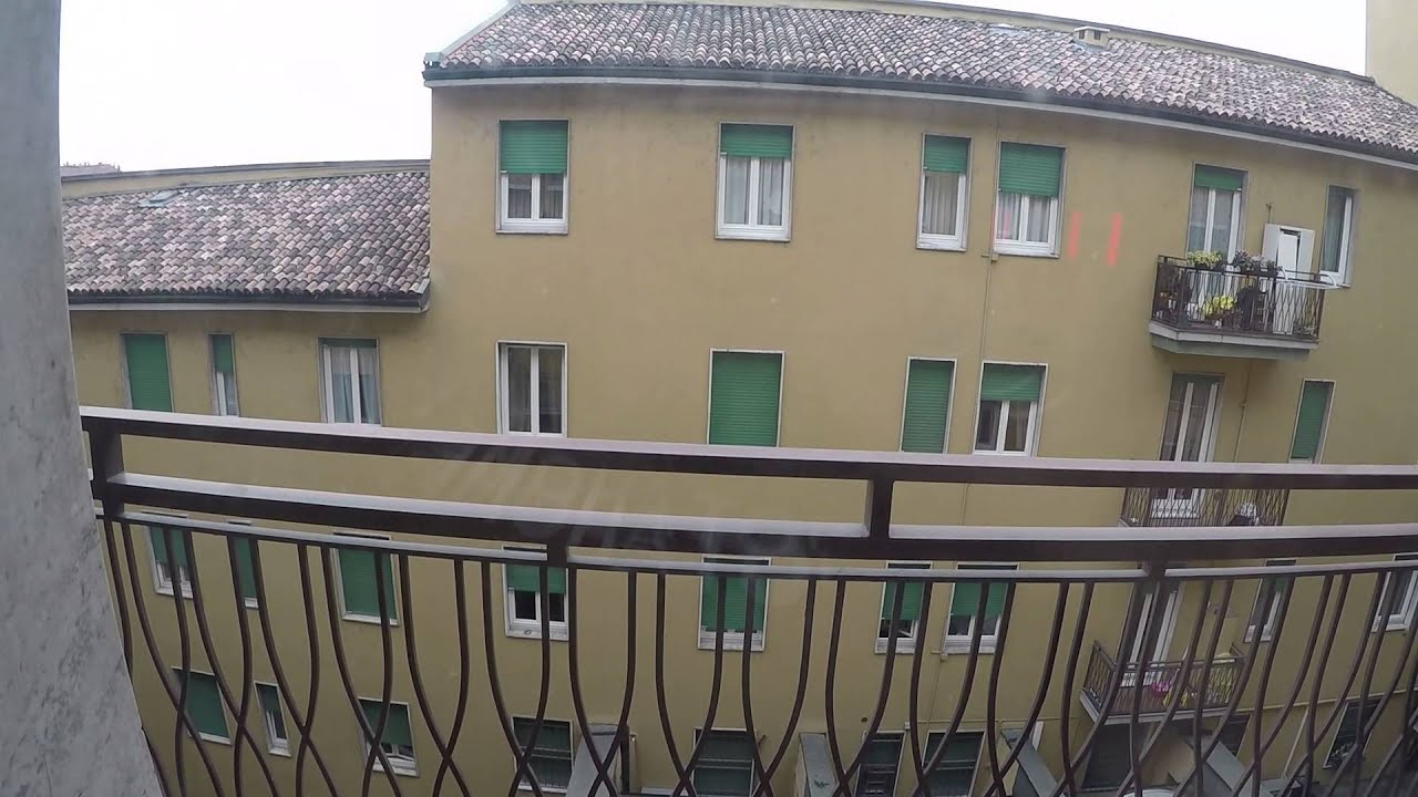 Comfortable room with doorman/reception in 5-bedroom apartment, Navigli