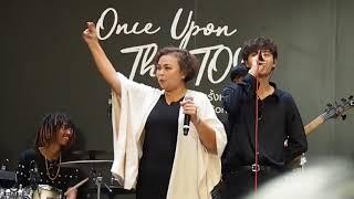 (Surprise) เพลงเจ็บนิดเดียว | คุณแม่นิตยา ft.THE TOYS #OnceUponTheToys @Groove CTW 28-01-18