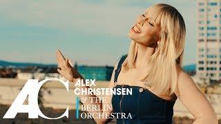 Musik-Video-Miniaturansicht zu The Sign Songtext von Alex Christensen & The Berlin Orchestra feat. Natasha Bedingfield