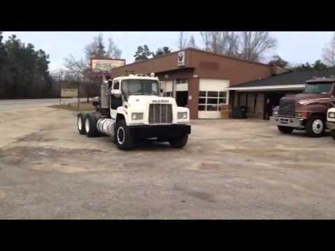 1987 Mack R model Truck