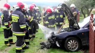 Pożar samochodu w garażu w Żarnowcu