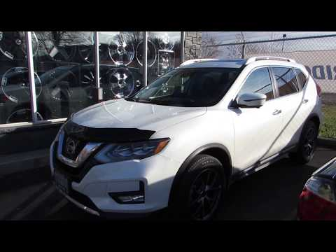 2017 NISSAN ROGUE WITH 18 INCH CUSTOM RIMS & MICHELIN TIRES