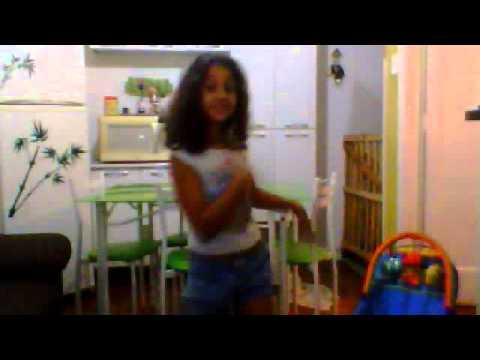 ana julia dançando anitta show das