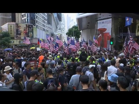 العرب اليوم - شاهد: مواجهات مع الشرطة في احتجاجات هونغ كونغ