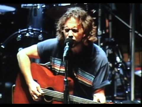 Pearl Jam - Around The Bend (Bridge School '06) HD