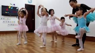 Lớp múa ballet cơ bản tại Kids Art & Music Saigon