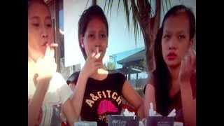 3 Asian girls smoking