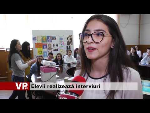 Elevii realizează interviuri