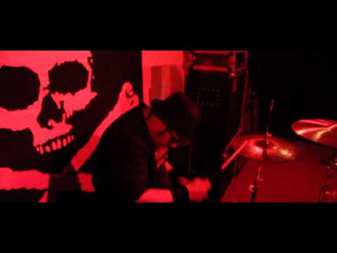 Showstripsilence - The Creature OFFICIAL VIDEO