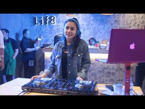 Grand Launching Party Gerai Pertama Life8 di Indonesia