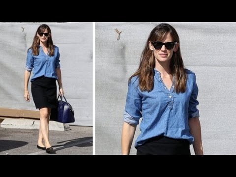 Copy Jennifer Garner's Easy Outfit For Work | Celeb Style