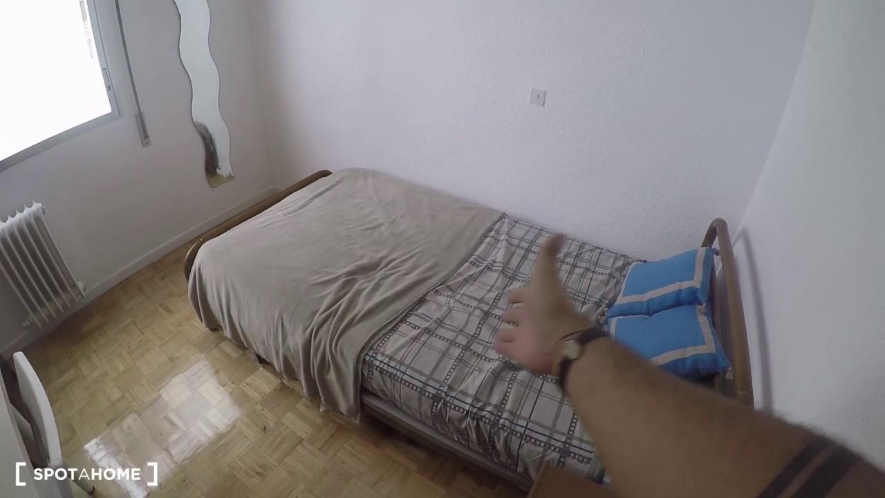 Double bed in Rooms for rent in 5-bedroom apartment in Retiro area