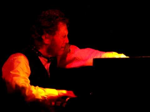 Keith Tippett, Julie Tippetts & Willi Kellers live @ Nozart, ... online metal music video by JULIE TIPPETTS