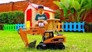 [30분] 포크레인 중장비 장난감 예준이의 모래놀이 색깔놀이 전동 자동차 장난감 놀이 Video for Kids Excavator Toy