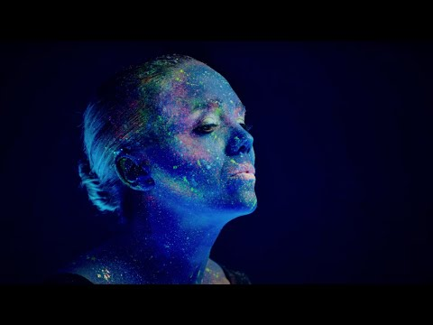Lucie Vondráčková - Milování (Oficiální Videoklip)