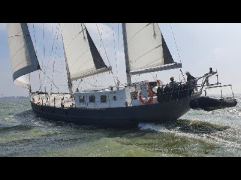 video of Bronsveen Sail Cutter