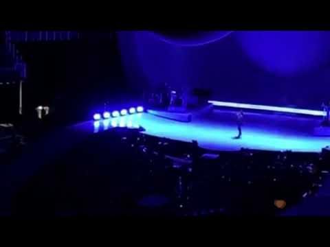 Ariana Grande Give It Up live Sweetener Tour Atlanta 2019 Ft Elizabeth Gillies AKA Jade West