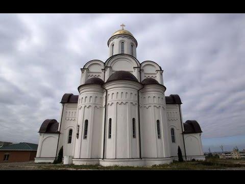 Храм в юности