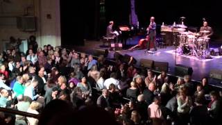 Chris Botti and Sy Smith Performs The Very Thought of You at The Wilbur in Boston