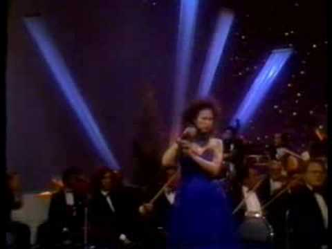 Tango! Susana Rinaldi canta: De Mi Barrio