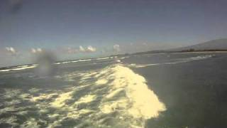 preview picture of video 'Kitesurfing Maui .m4v'