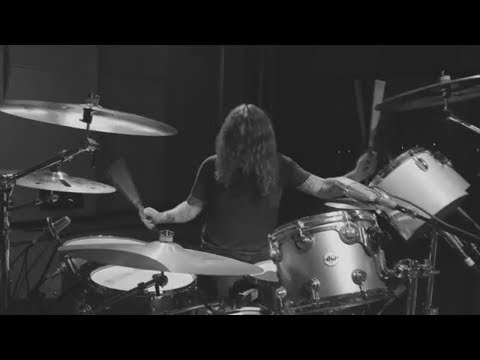 Dave Grohl - Play [Isolated Drums]