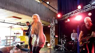 Margaret Berger - I`m In Love With A Robot (live) - UiO-festival, Oslo - 20-04-2013