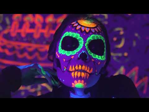 J Balvin & Willy William - Mi Gente (Steve Aoki Remix) [Official Music Video]