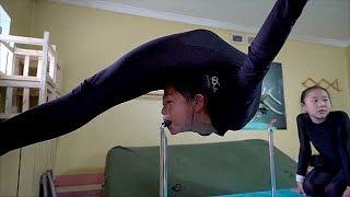Монгольские акробатки бросают вызов законам гравитации (новости)