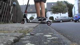 Scooter Tricks Minivid 1