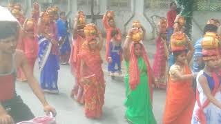 preview picture of video 'हमारे नयाटोला दानापुर से  देवी स्थान में मूर्ति अस्थापित के साथ कलश यात्रा निकाला गया था'